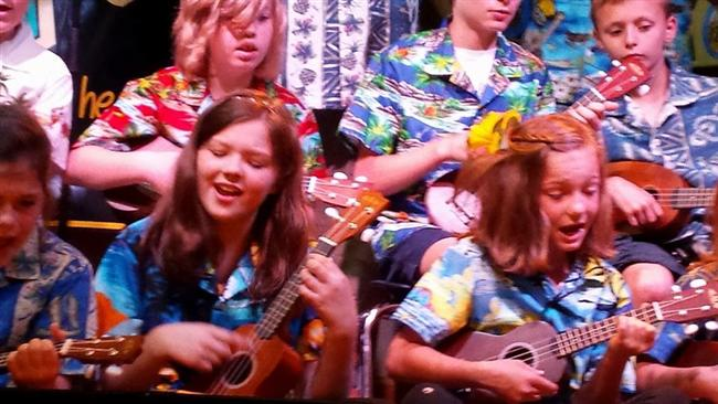 Mount Olive Ukulele Club Plays Kidstuff Live! on WDVX