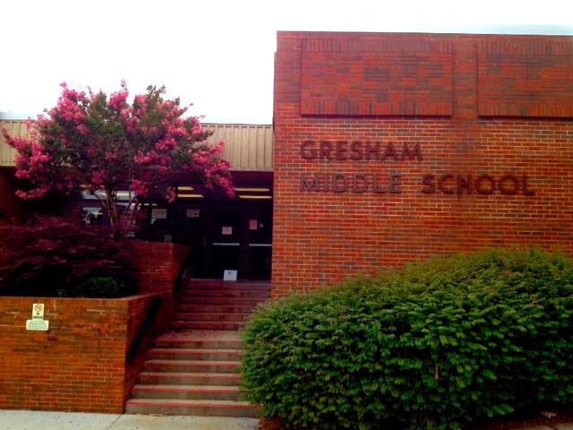 entranceschool.JPG